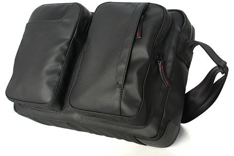 おやすみの日にiPadを持ち出すための小型ショルダーバッグ