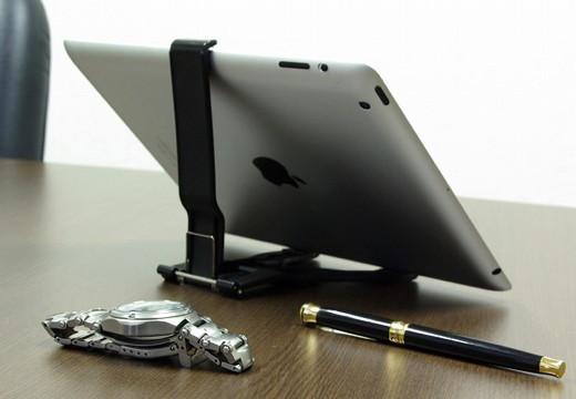 タブレット用三脚穴付クリップスタンド