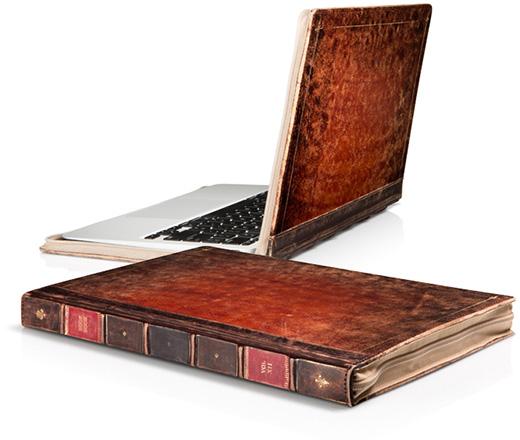 フォーカル、古い洋書のようなMacBookファミリー用レザーインナーケース「BookBook」に独特の風合いの新シリーズを追加