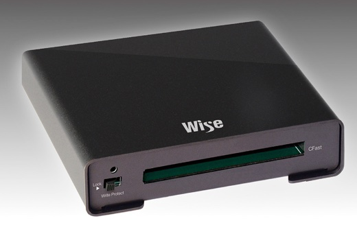 Wise CFast 2.0 カードリーダー