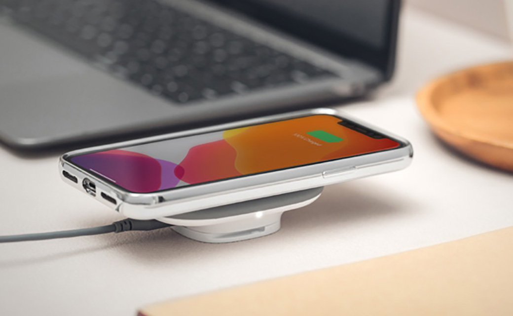 moshi SnapTo Wireless Charger