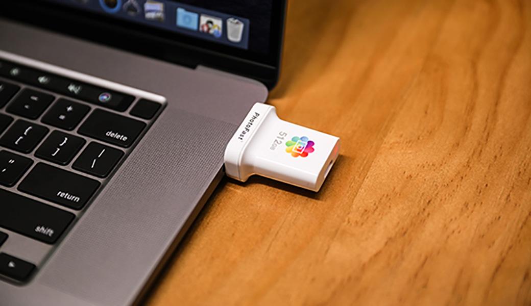 PhotoCube Cをパソコンに接続