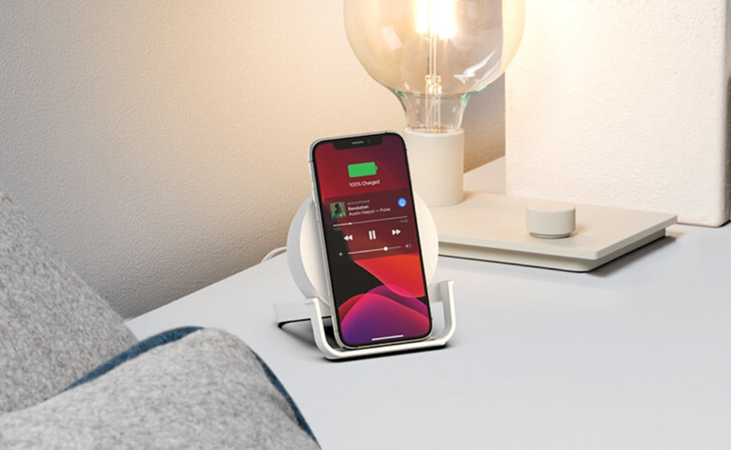 BOOST↑CHARGE ワイヤレス充電スタンド付きBluetoothスピーカー